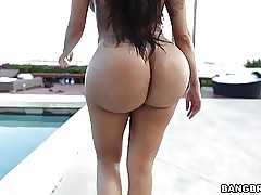 hot latin moms : milf x videos