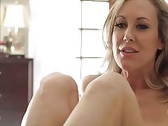 moms sexy legs : throat fucking