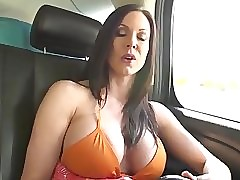Kendra Lust porn : moms having sex