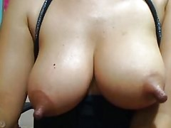 moms big nipples : huge mature boobs