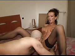 skinny mom sex : milfs sex videos