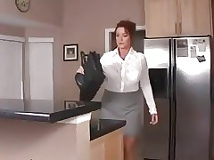 massaging mom : hot milfs porn