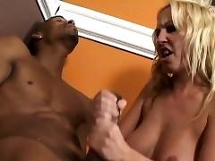 hot naked moms : big tits milf porn