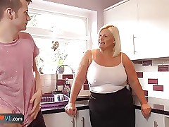 wife doggy style sex : milf free videos, wet juicy pussy