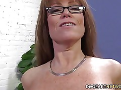 darla crane : sex hungry moms, super hot milf