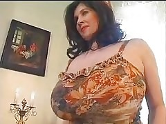 big breasted mom : hot naked pussy, big tit videos