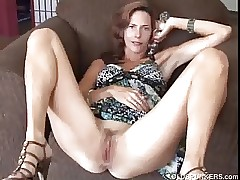 gorgeous mom porn : hot college pussy
