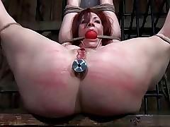 spanking mom : hot milf naked